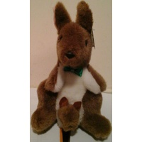 SMALL AUSTRALIAN MADE PLUSH KANGAROO WITH BABY